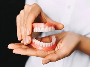 """""""ทำฟันปลอมเถื่อน"""" อันตราย เสี่ยงสูญเสียฟัน-ติดเชื้อในช่องปาก"""